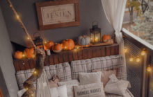 Jesienny balkon z dyniami
